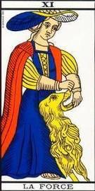 Carta del arcano mayor la Fuerza del Tarot
