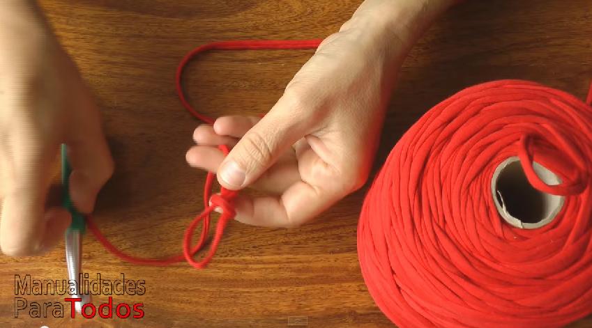 Cmo hacer bolsos y carteras de trapillo tejidos a crochet Innatiacom