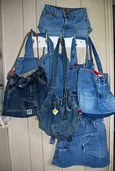 875a850db Como hacer un bolso con tu viejo jeans en vídeo :: Cómo reciclar un ...