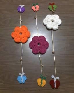 Cortina con flores de goma eva una manualidad sencilla for Decoracion del hogar con crochet