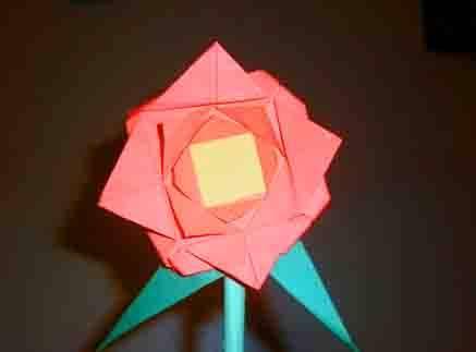 Pasos para hacer una flor en papiroflexia flor en - Como hacer cosas de papel paso a paso faciles ...