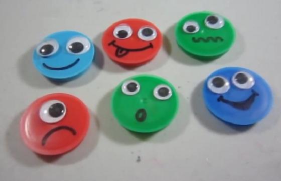 Cómo hacer imanes con emoticones para decorar tu refrigerador ...