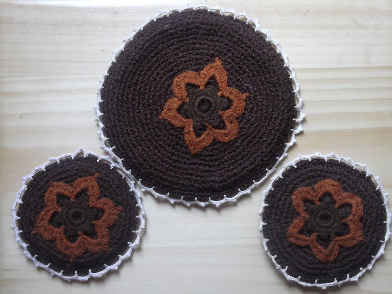 Individuales y posavasos tejidos al crochet por patty - Posavasos de ganchillo ...
