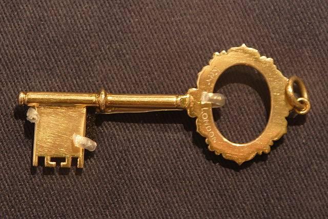 4 amuletos con llaves para tu suerte las llaves en - Cosas para atraer el dinero ...