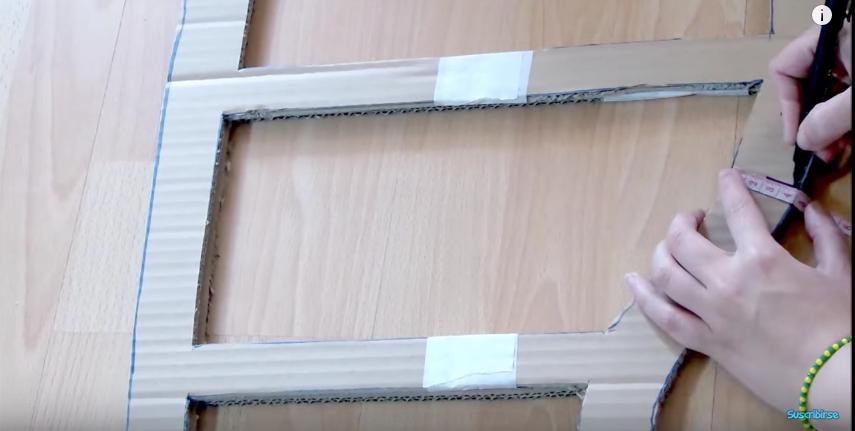 C mo hacer un mueble de cajas de cart n con cajones - Como forrar muebles con tela paso a paso ...