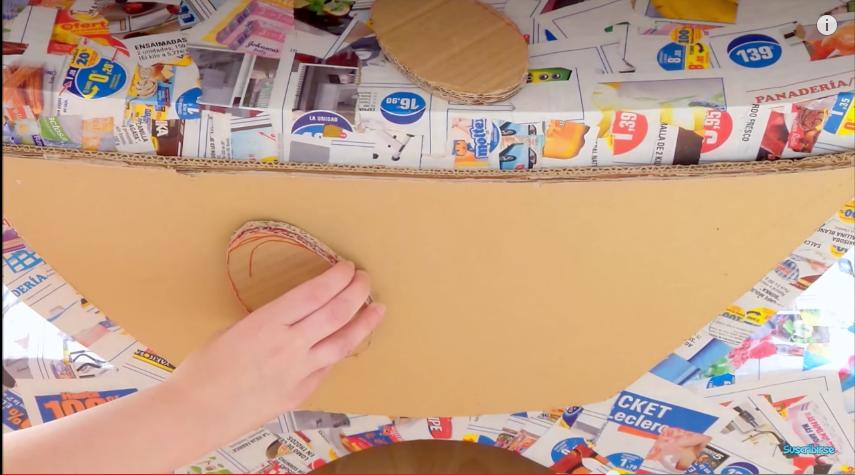 Mueble de cart n para guardar los juguetes en el cuarto de for Muebles de carton pdf