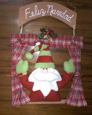 C mo hacer un pap noel de tela para colgar en navidad con - Juegos de adornar casas de navidad ...