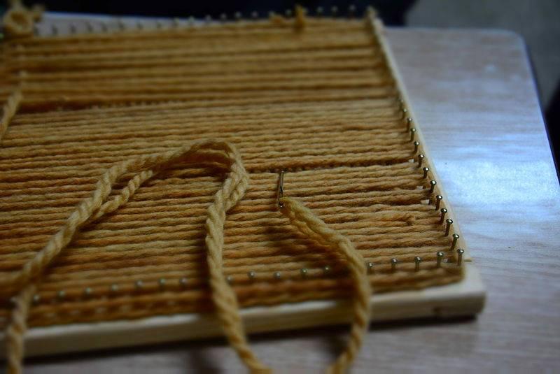 Cómo hacer bufandas con telar paso a paso - Innatia.com