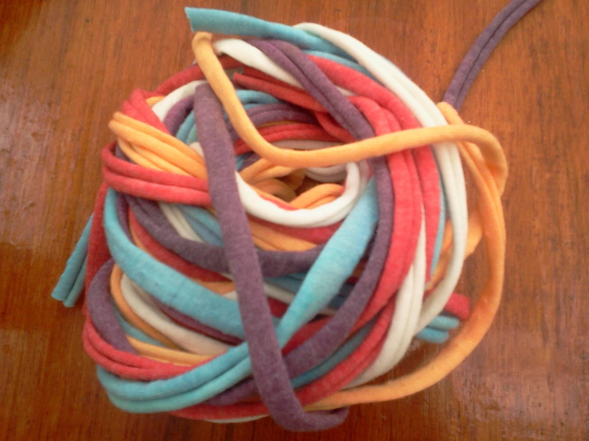 C mo tejer a crochet con materiales reciclados - Como hacer cosas de ganchillo ...